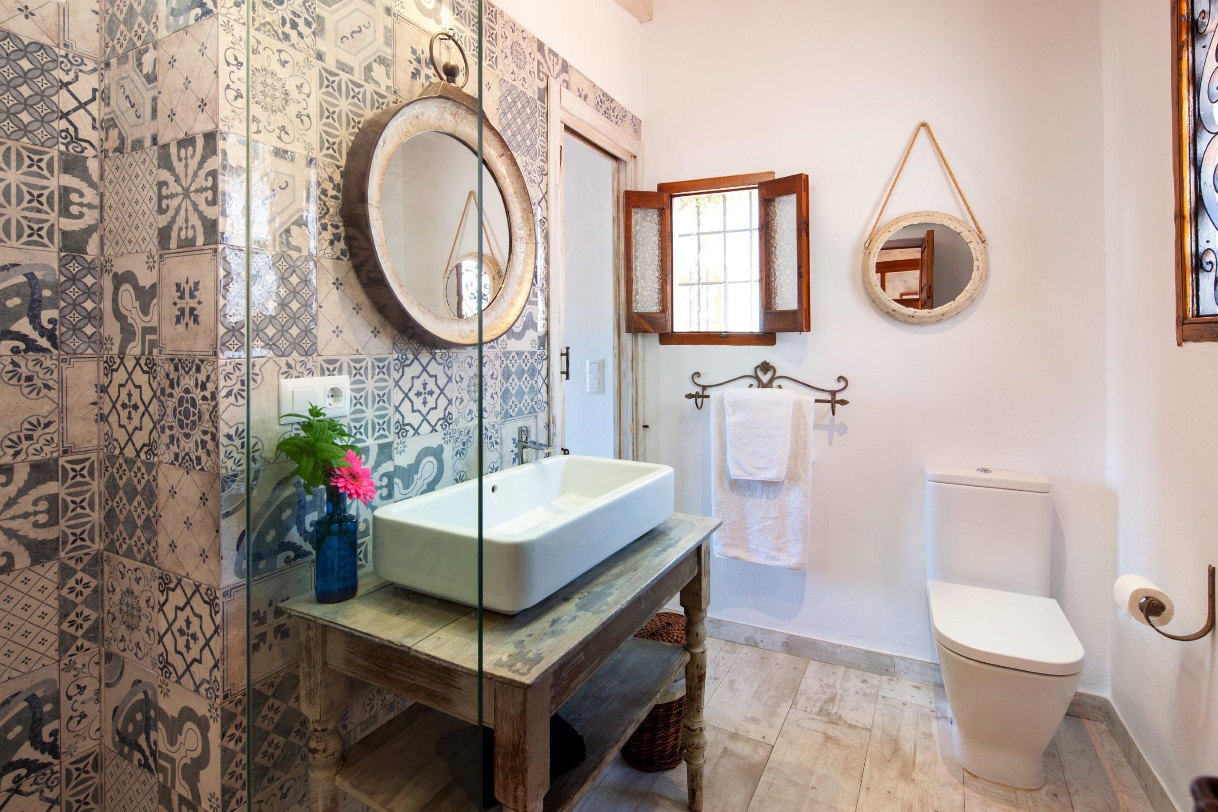 segundo cuarto de baño con ducha